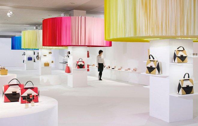 طراحی دکوراسیون مغازه کیف وکفش