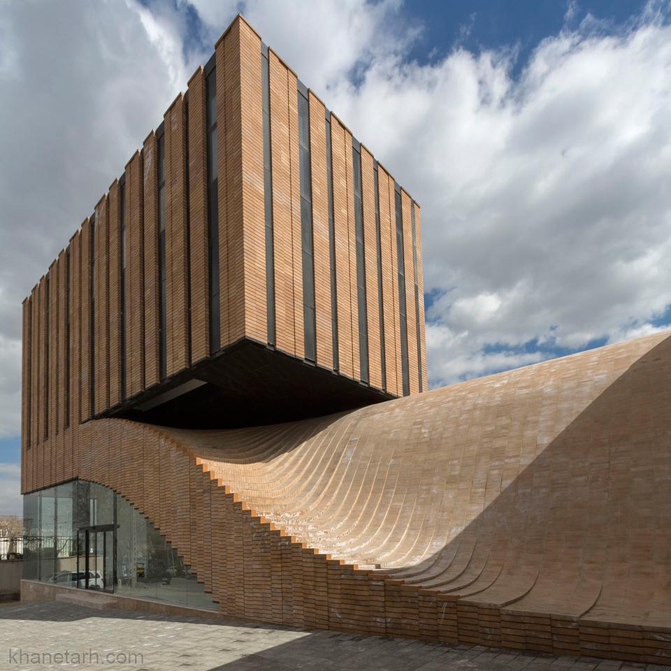 نمای ساختمان دو طبقه