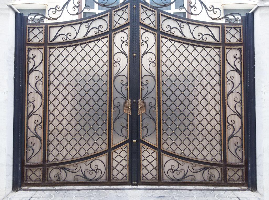 درب آهنی ورودی ساختمان