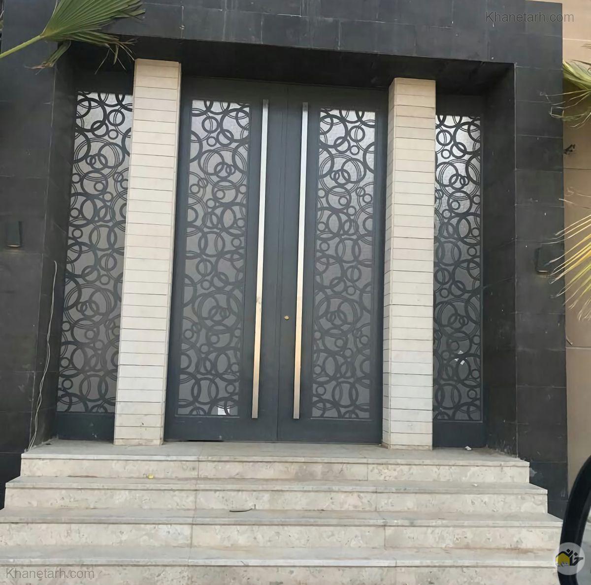 درب ورودی منزل