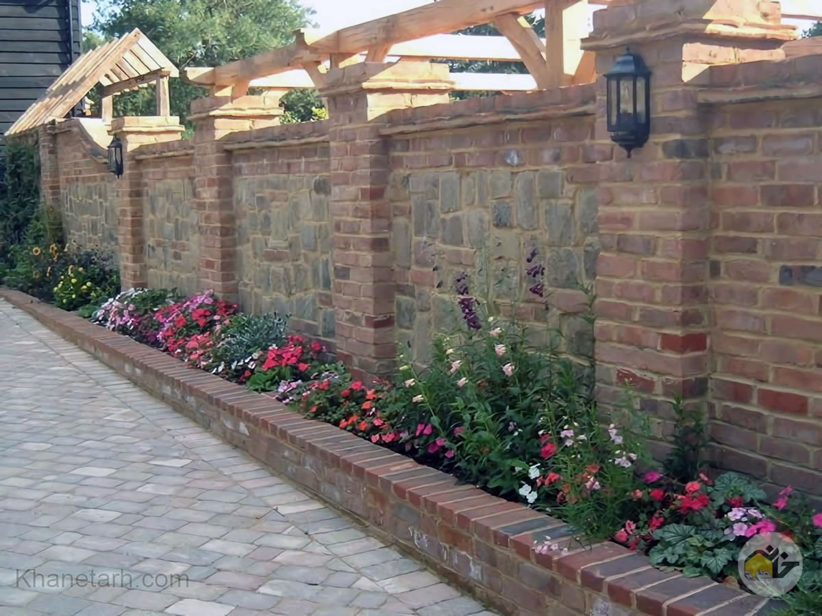 دیوار حیاط سنتی